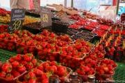 NORVEGE - BERGEN - MARCHE AUX FRUITS ROUGES