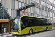 NORVEGE - TRONDHEIM  -BUS ELECTRIQUE EN CHARGE