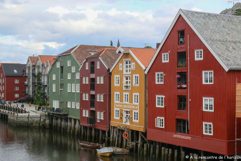 Trondheim - Hangars sur pilotis